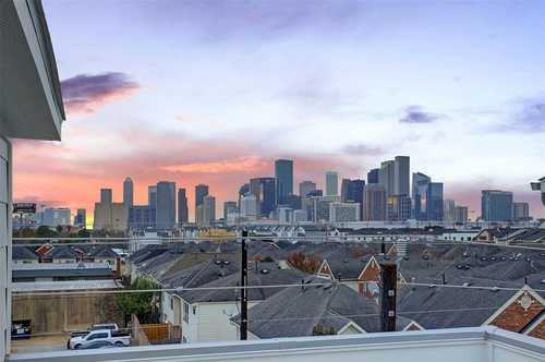 $479,000 - 3Br/4Ba -  for Sale in Eado, Houston