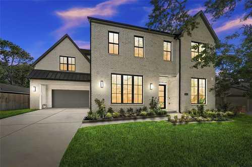 $1,835,000 - 5Br/5Ba -  for Sale in Briargrove, Houston