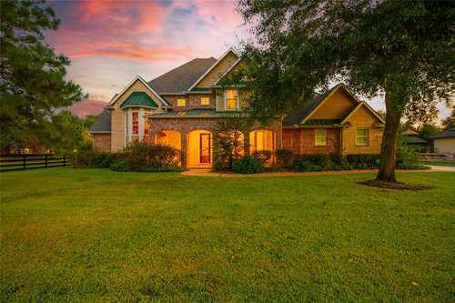 $850,000 - 4Br/4Ba -  for Sale in Willow Bend, Katy