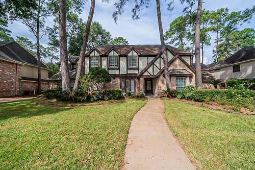 $350,000 - 4Br/3Ba -  for Sale in Woods Wimbledon Sec 01, Houston