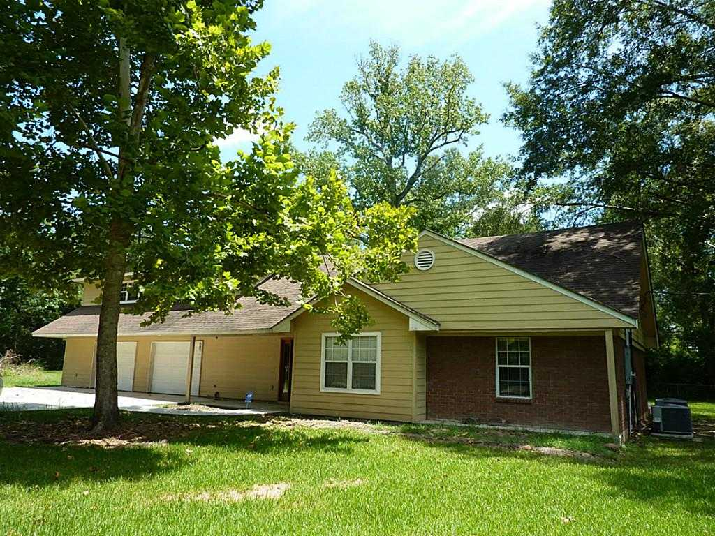 $194,900 - 3Br/2Ba -  for Sale in Oakbend South, Shepherd