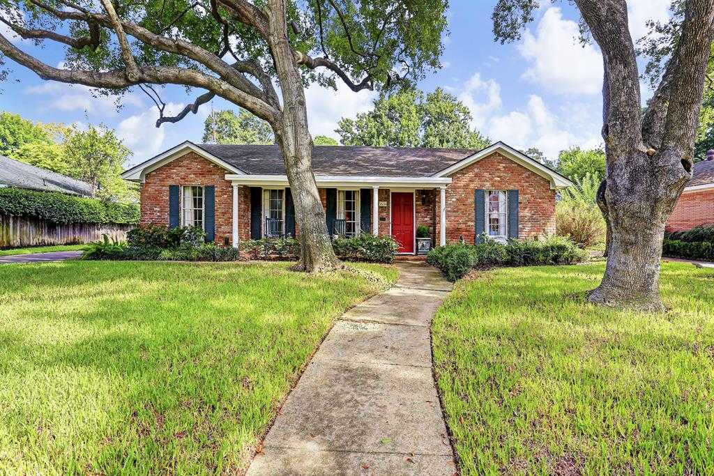 $599,000 - 3Br/2Ba -  for Sale in Briarcroft, Houston