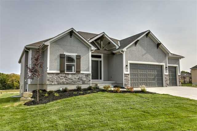 $419,950 - 4Br/3Ba -  for Sale in Monticello, Lee's Summit