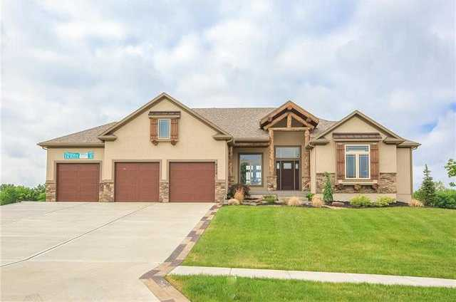 $564,700 - 4Br/4Ba -  for Sale in Stone Canyon - The Estates, Blue Springs