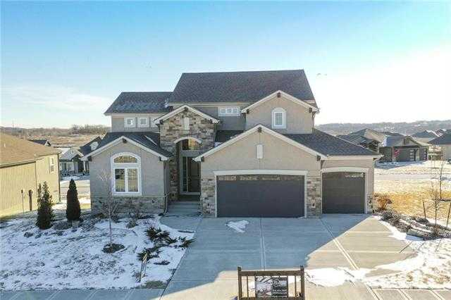 $540,420 - 5Br/4Ba -  for Sale in Creekmoor - Edgewater, Raymore