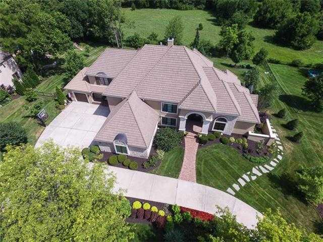 $2,000,000 - 5Br/7Ba -  for Sale in Pavilions, Leawood