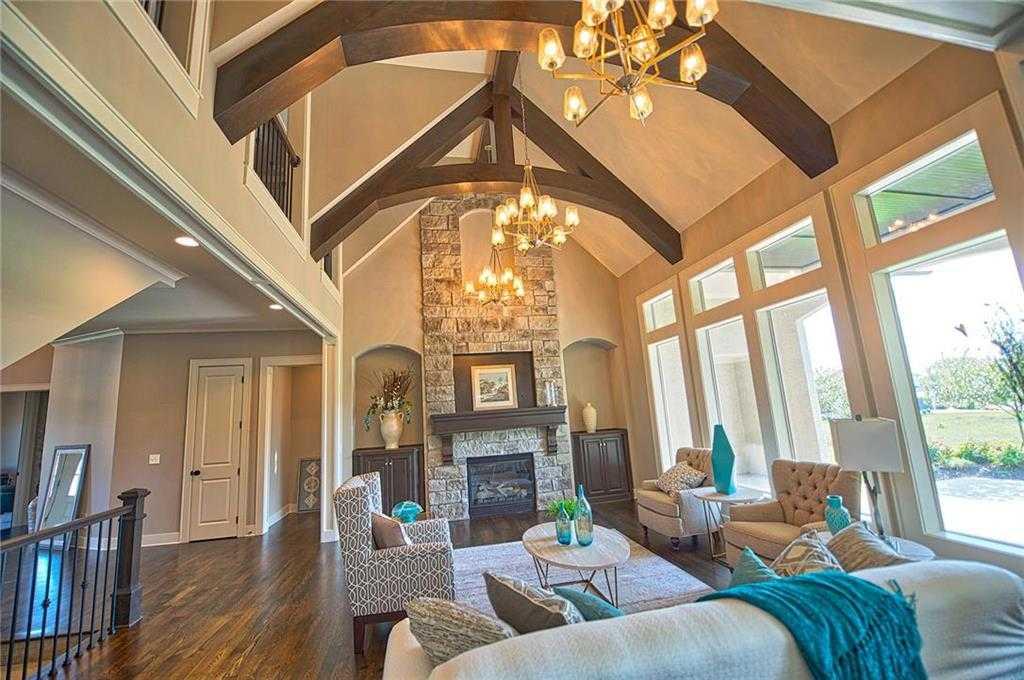 $699,950 - 5Br/5Ba - for Sale in Sundance Ridge- Red Fox Run, Overland Park