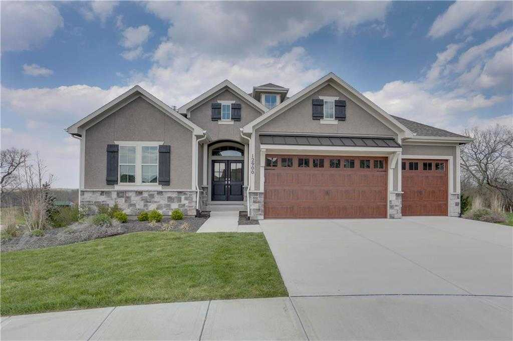 $539,950 - 4Br/3Ba - for Sale in Chapel Hill, Overland Park