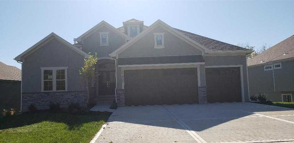 $559,688 - 4Br/3Ba - for Sale in Canyon Creek Point, Lenexa