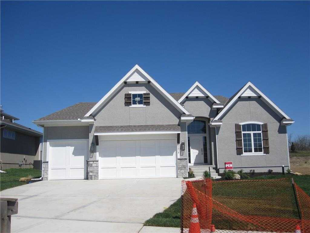 $479,000 - 4Br/3Ba - for Sale in Canyon Creek Point, Lenexa