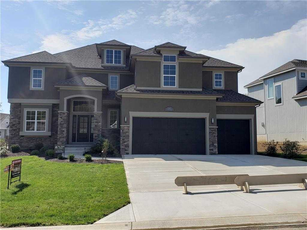 $549,900 - 5Br/4Ba - for Sale in Timber Rock, Lenexa