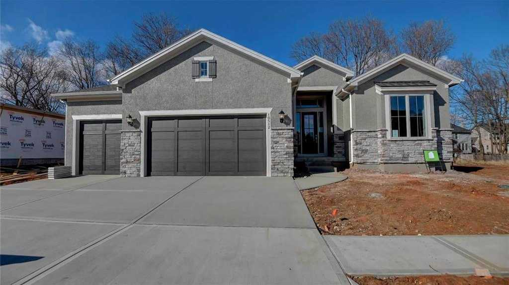 $630,000 - 4Br/3Ba -  for Sale in Cottonwood Canyon, Lenexa