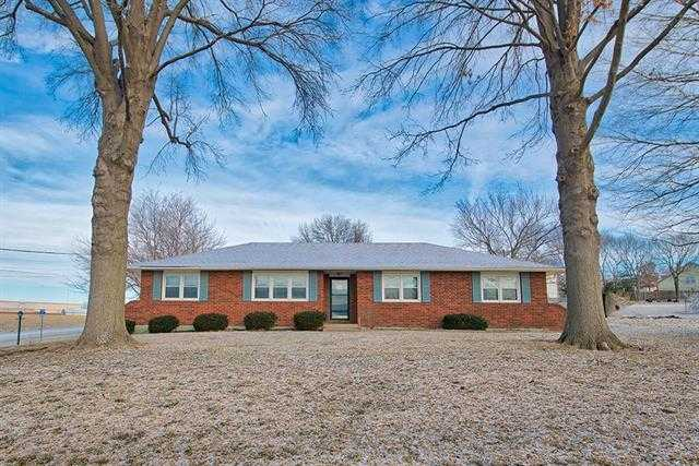 $299,000 - 3Br/3Ba -  for Sale in Lee's Summit
