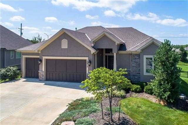 $529,900 - 4Br/4Ba -  for Sale in Wilshire By The Lake, Overland Park