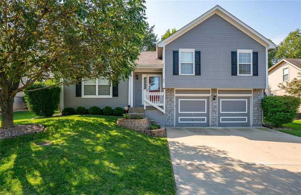 $225,000 - 3Br/3Ba -  for Sale in Cumberland Falls, Blue Springs
