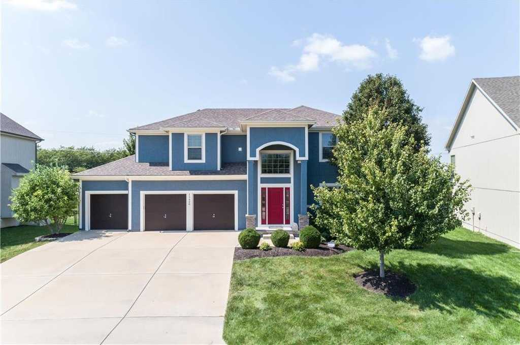$339,900 - 4Br/4Ba - for Sale in Chapel Hill, Overland Park