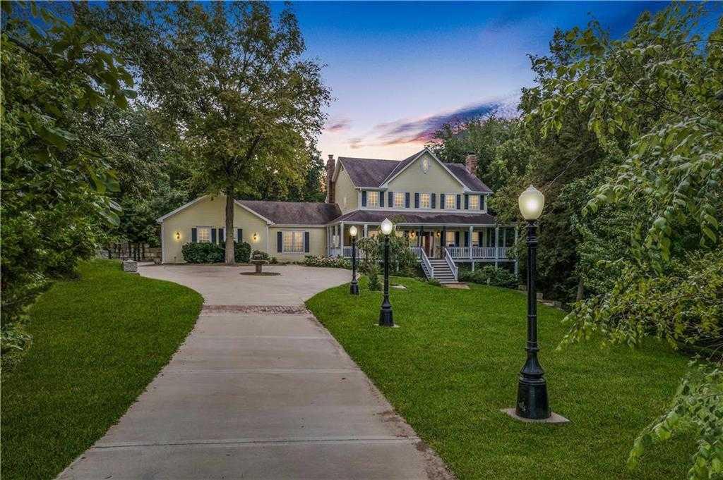 $670,000 - 5Br/6Ba - for Sale in Oakmont Estates, Stilwell