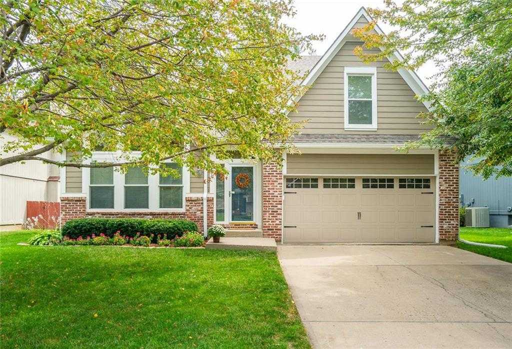 $274,900 - 4Br/3Ba -  for Sale in Woodland Park, Shawnee