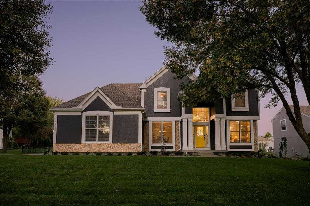 $489,900 - 4Br/5Ba -  for Sale in Steeplechase, Leawood