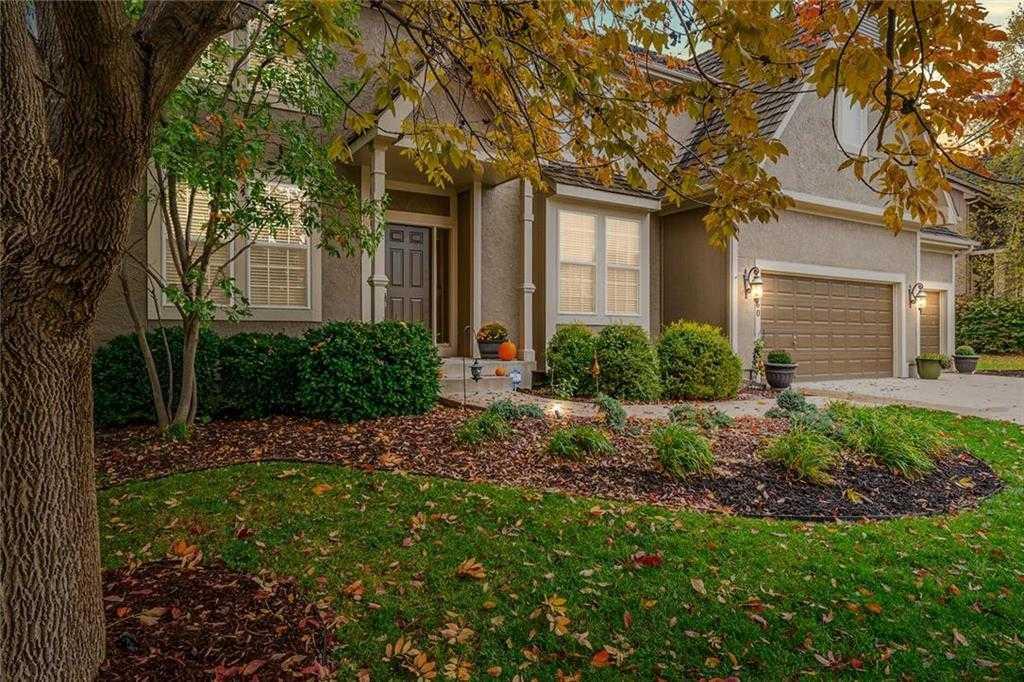 $395,000 - 4Br/5Ba - for Sale in Cedar Creek- Southglen, Olathe