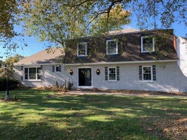 $279,900 - 4Br/3Ba - for Sale in Carriage Hill, Kansas City