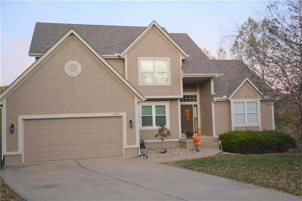 $299,900 - 4Br/5Ba - for Sale in Stoneridge, Blue Springs