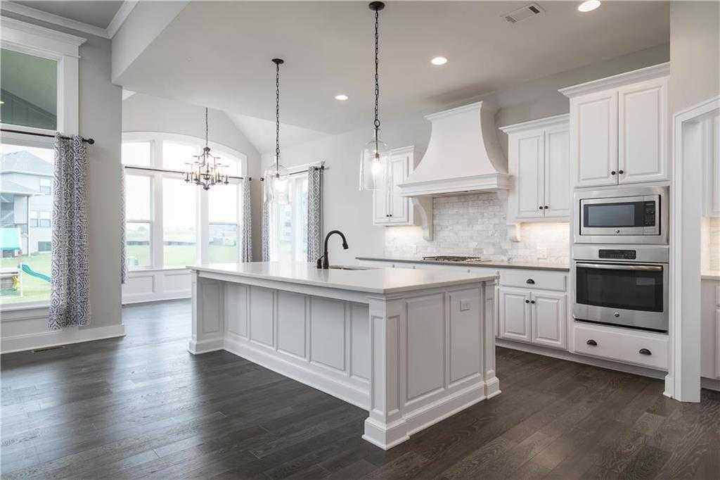 $505,000 - 5Br/4Ba - for Sale in Greens Of Chapel Creek, Shawnee