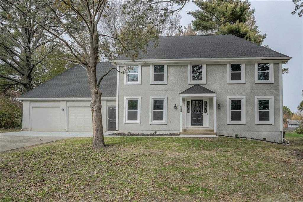 $269,900 - 4Br/4Ba - for Sale in Country Club Gardens, Blue Springs