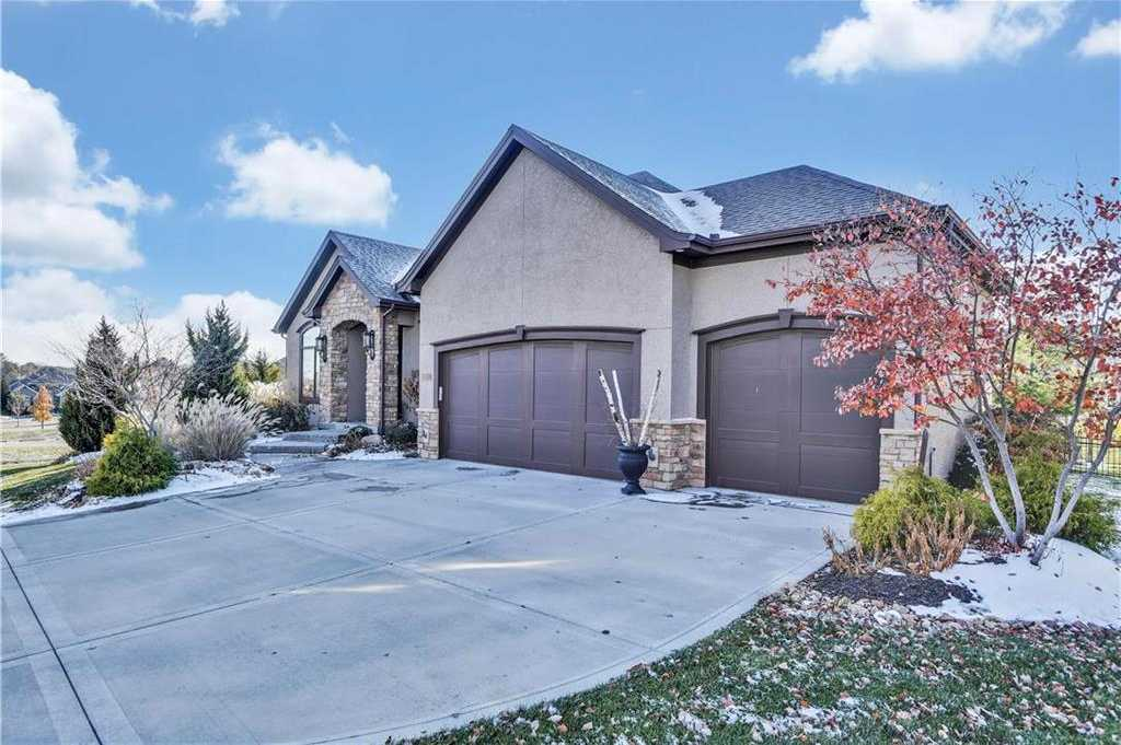 $635,000 - 4Br/3Ba - for Sale in Coffee Creek Crossing, Overland Park