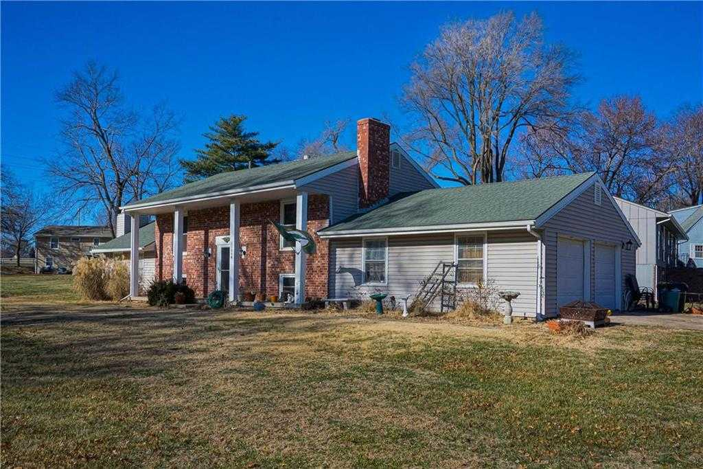 $179,950 - 4Br/3Ba - for Sale in Nelson Heights, Shawnee