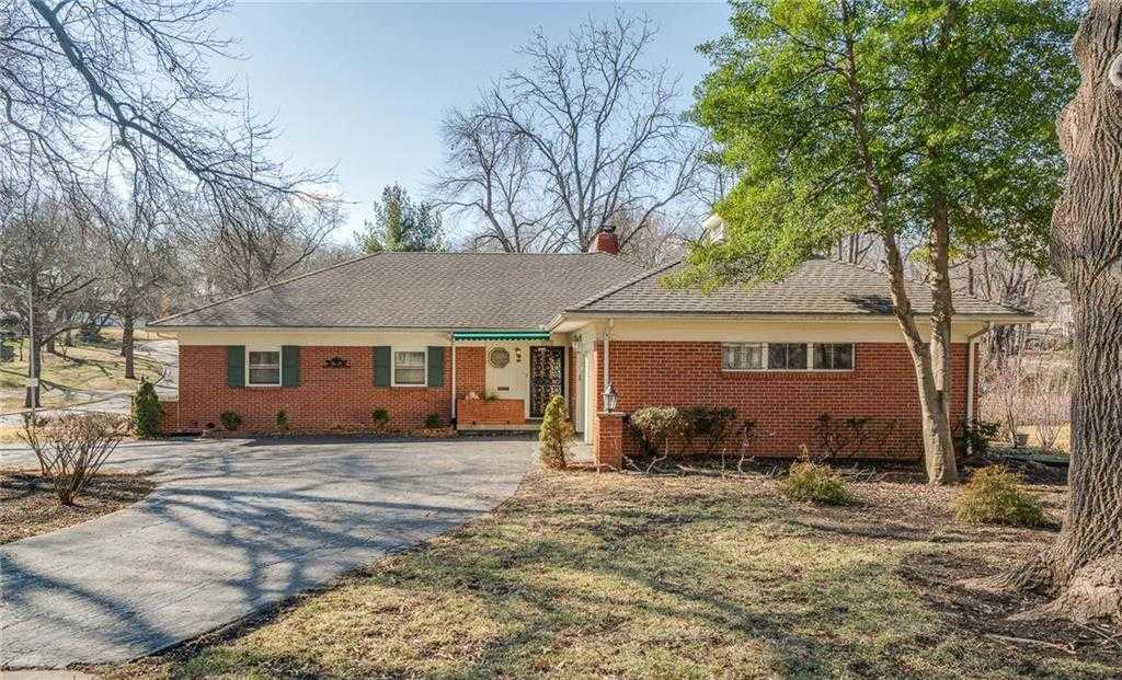 $385,000 - 3Br/3Ba - for Sale in Leawood Estates, Leawood