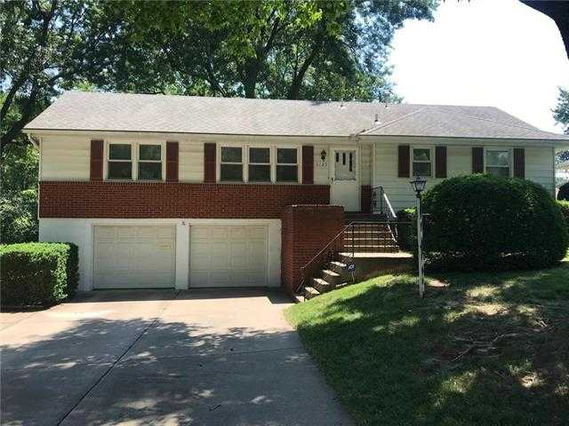 $159,900 - 3Br/2Ba - for Sale in K & A Manor, Kansas City
