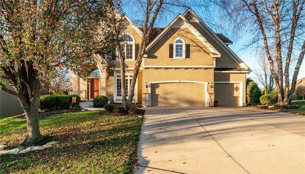 $450,000 - 4Br/5Ba -  for Sale in Cedar Creek- Southglen, Olathe