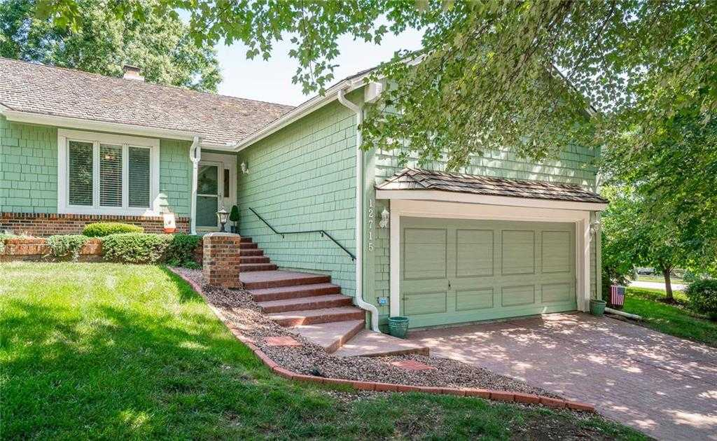 $275,000 - 3Br/2Ba -  for Sale in Wellington Green, Kansas City