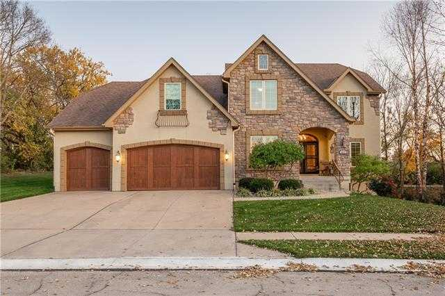 $650,000 - 4Br/4Ba -  for Sale in Woodland Glen, Lee's Summit