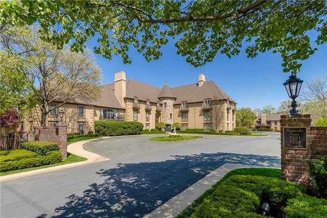 $750,000 - 4Br/5Ba -  for Sale in Normandie Ct, Prairie Village