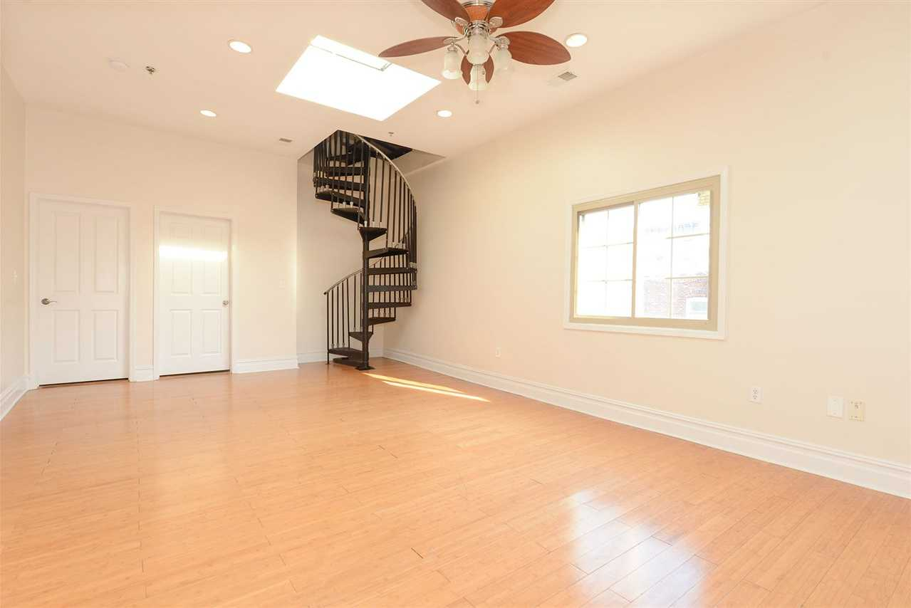 $499,000 - 4Br/2Ba -  for Sale in Jc, Heights
