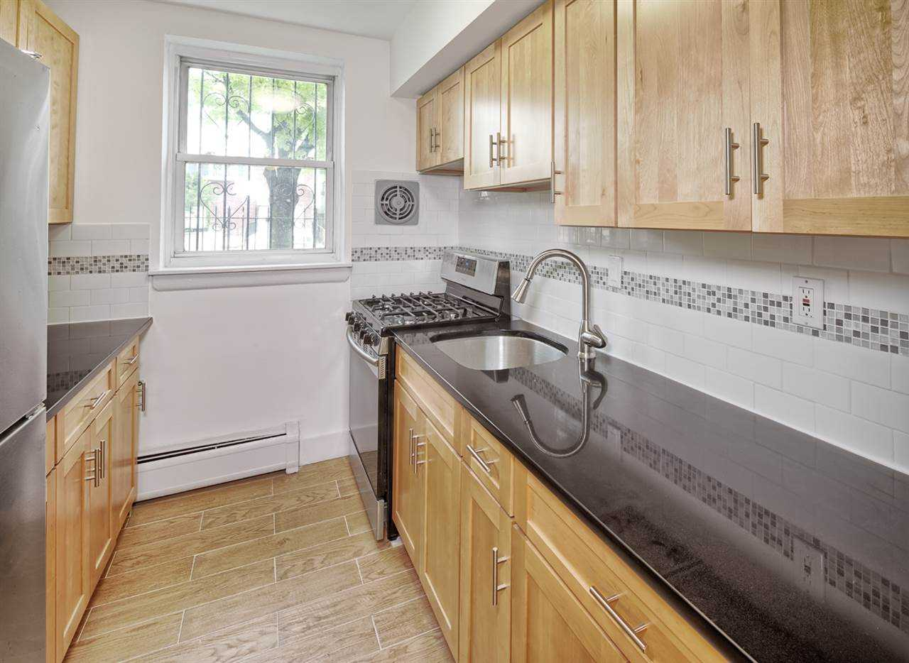 $369,000 - 1Br/1Ba -  for Sale in Jc, Heights