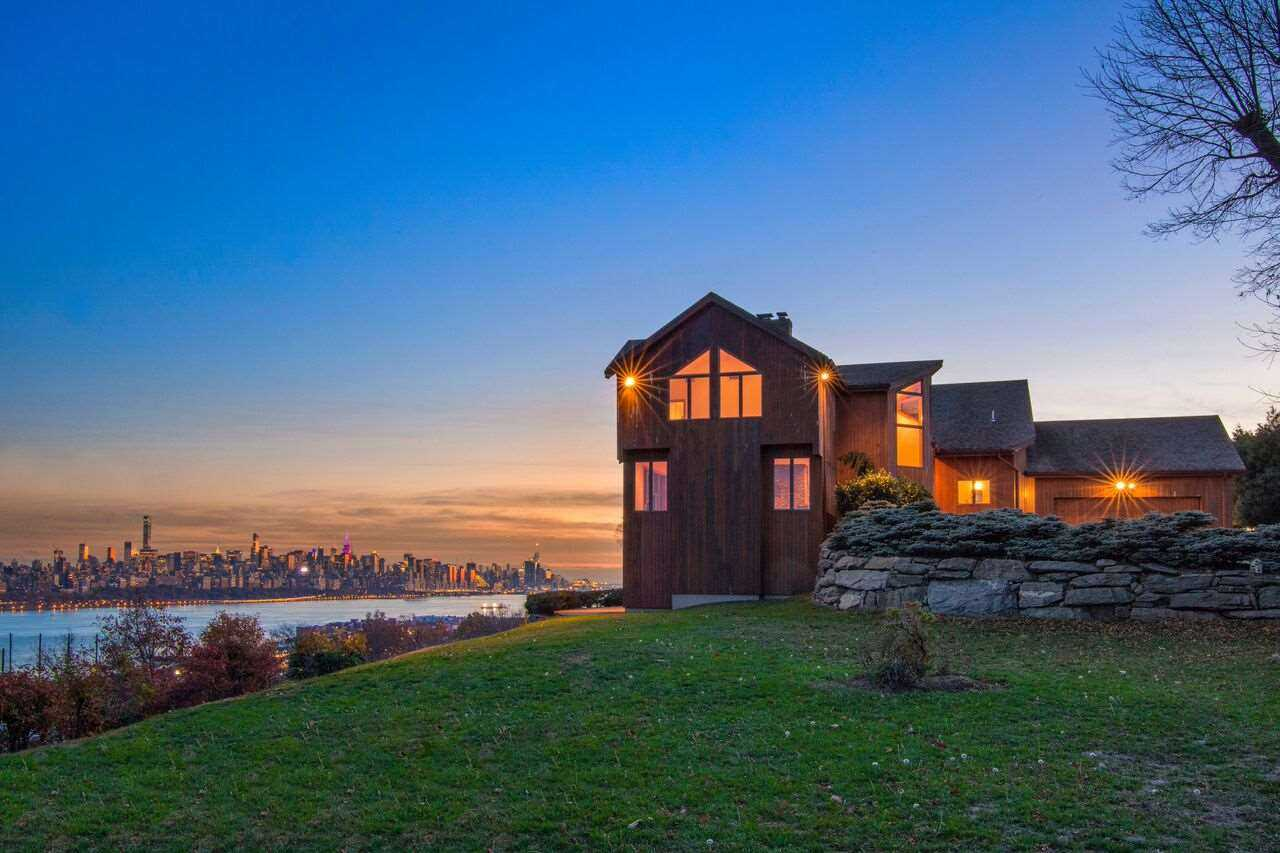 $2,499,000 - 4Br/4Ba -  for Sale in Cliffside Park