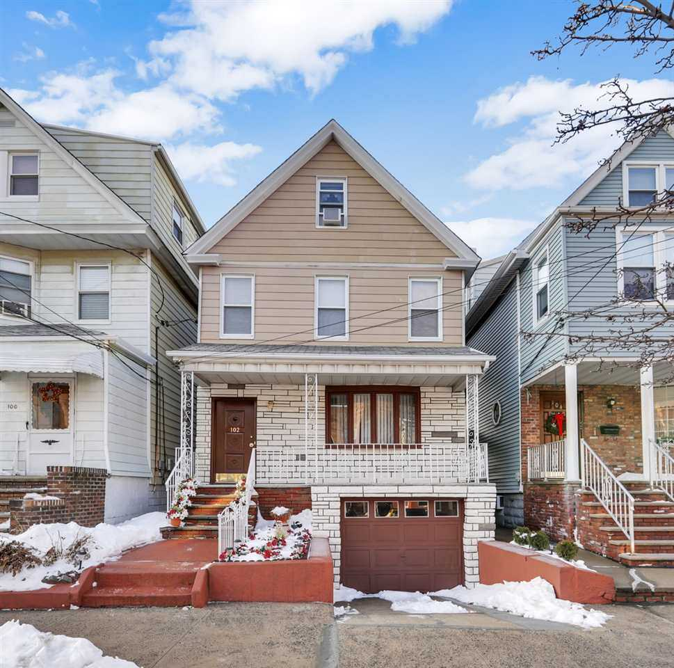 $450,000 - 4Br/2Ba -  for Sale in Bayonne