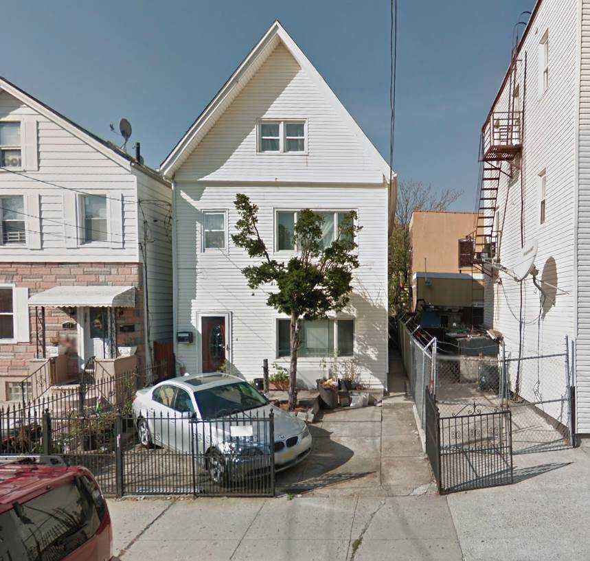 $599,000 - 4Br/2Ba -  for Sale in Jc, Heights