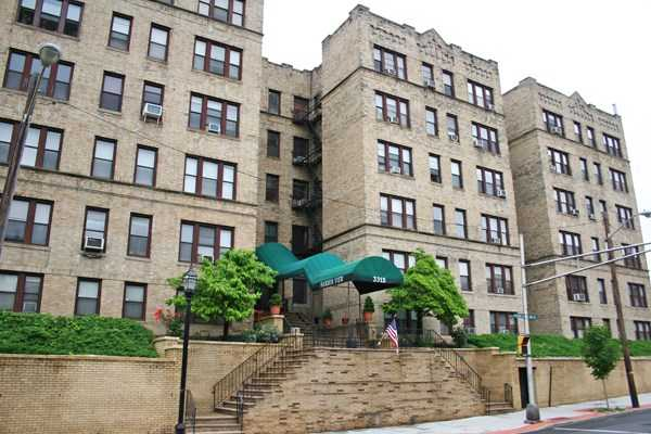 $220,000 - 1Br/1Ba -  for Sale in Union City