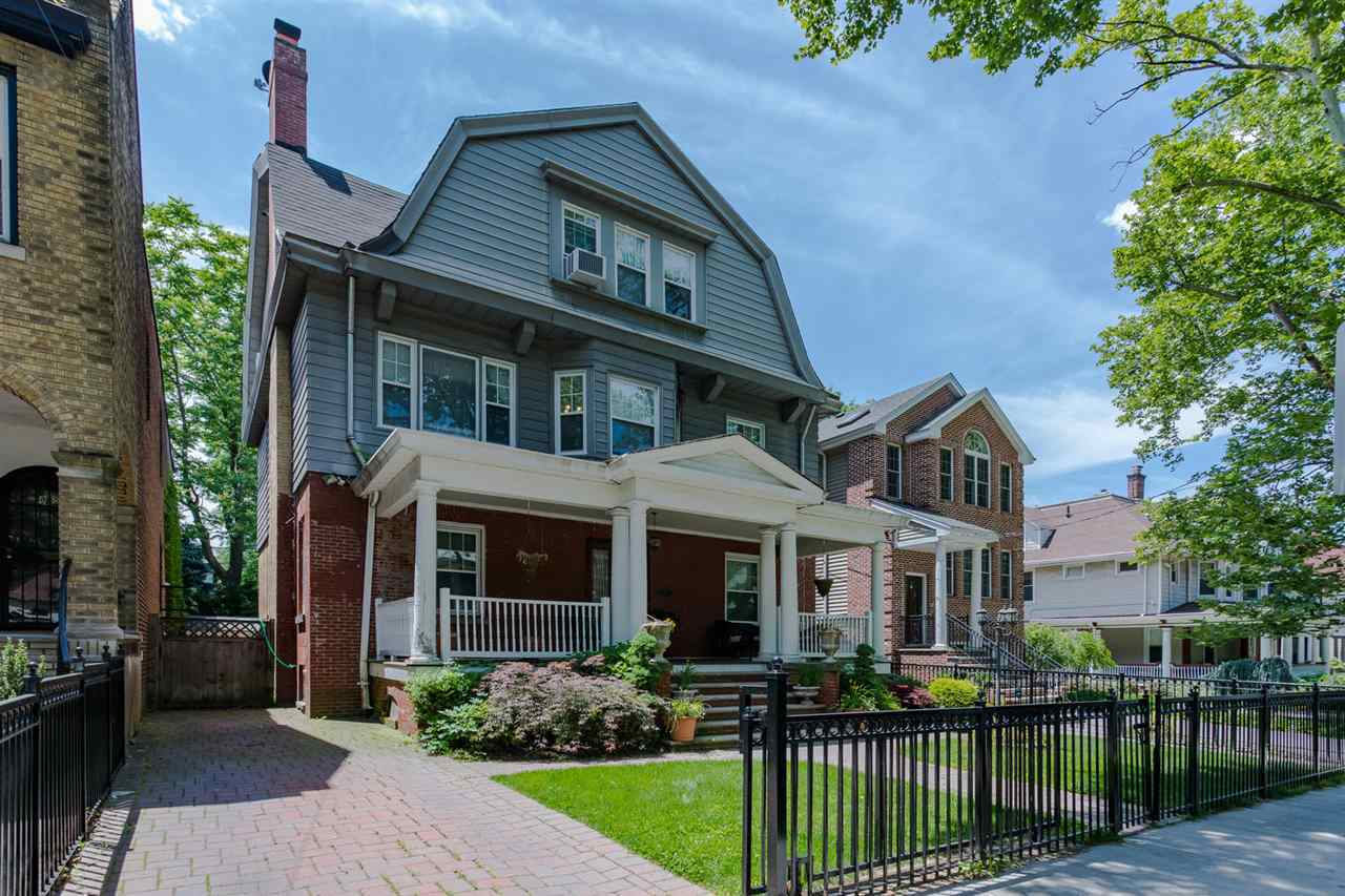 $975,000 - 5Br/4Ba -  for Sale in Jc, Journal Square
