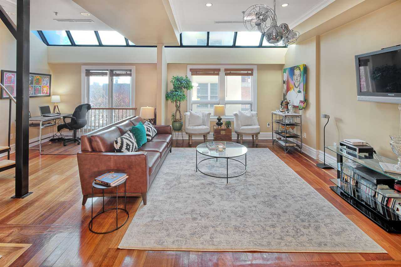 $725,000 - 1Br/1Ba -  for Sale in Jc, Downtown