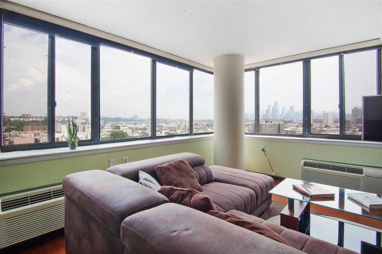 $615,000 - 2Br/2Ba -  for Sale in Hoboken
