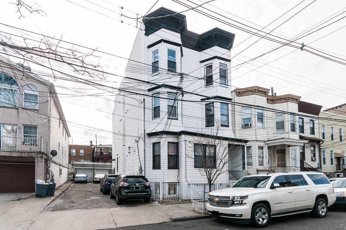 $344,444 - 2Br/2Ba -  for Sale in Jc, Heights