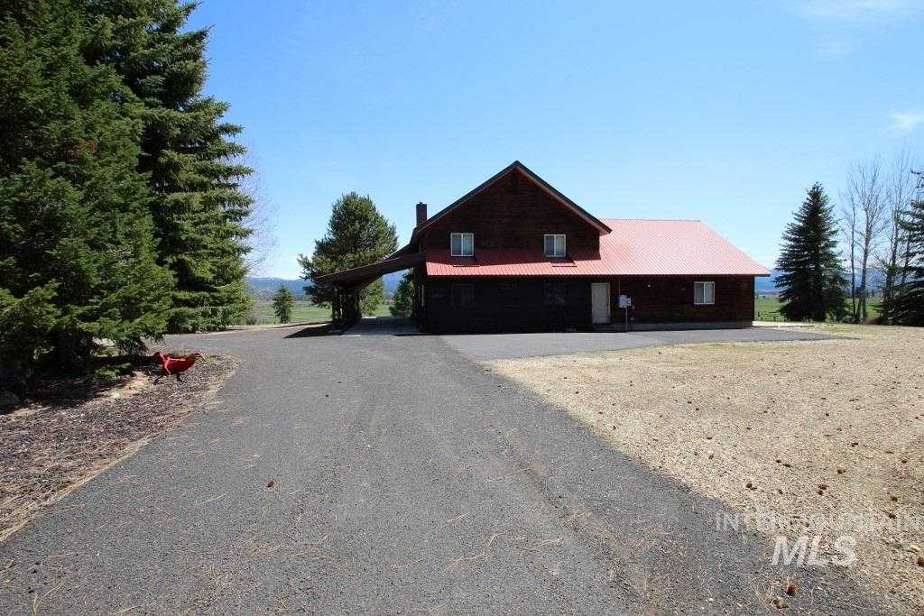 $3,249,990 - 5Br/3Ba -  for Sale in West Mountain, Cascade