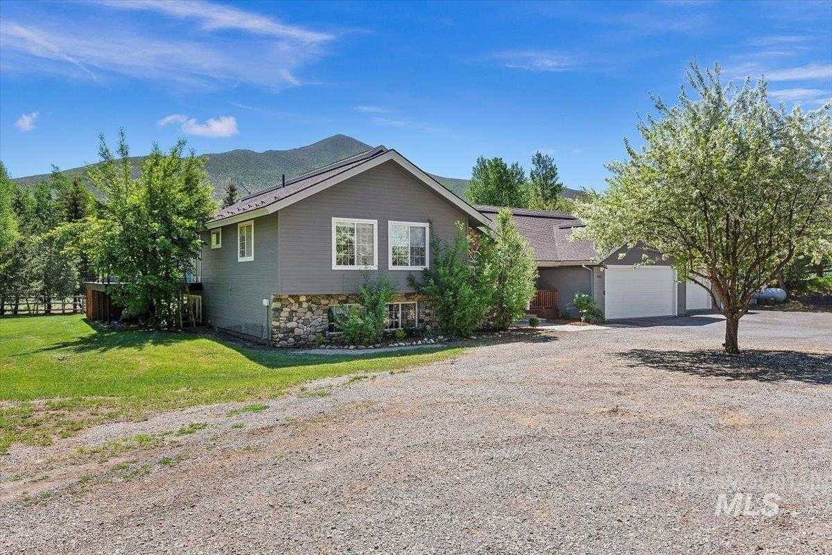$3,700,000 - 5Br/4Ba -  for Sale in Sunset Meadows, Hailey