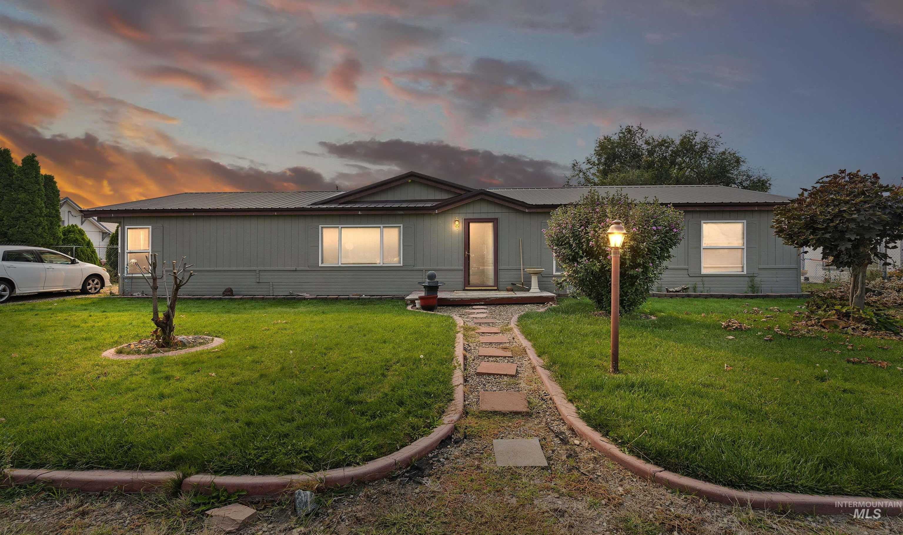 $340,000 - 3Br/2Ba -  for Sale in 0 Not Applicable, Fruitland