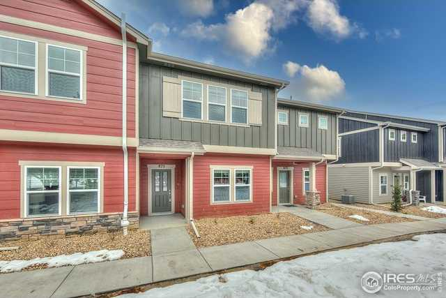 $349,900 - 3Br/3Ba -  for Sale in Creekside Townhomes, Berthoud